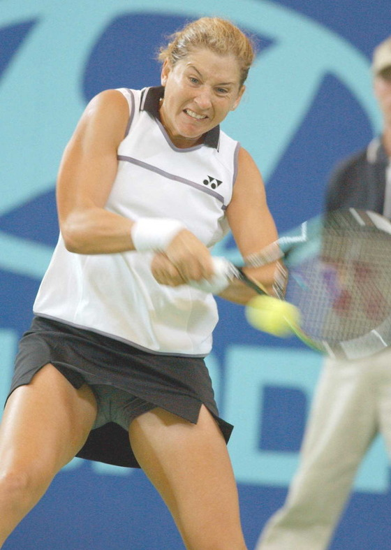 女子テニスプレイヤー達の股間に食い込んだマン筋 画像32枚 15