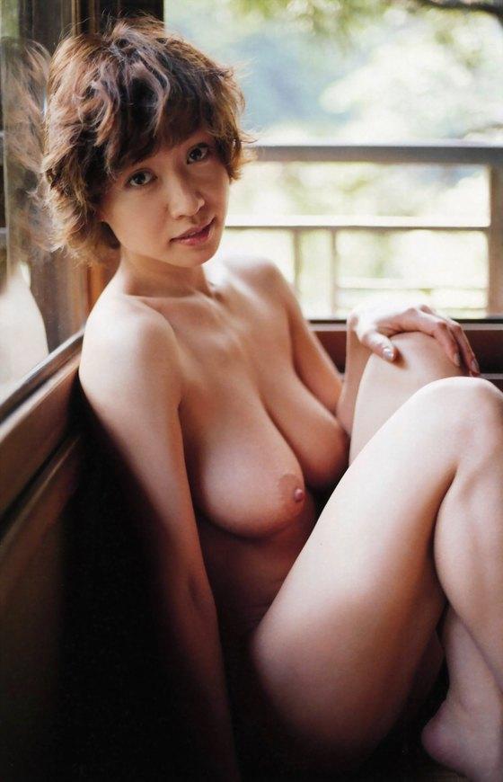 細川ふみえ フラッシュ袋とじの熟女ヌードグラビア 画像25枚 18