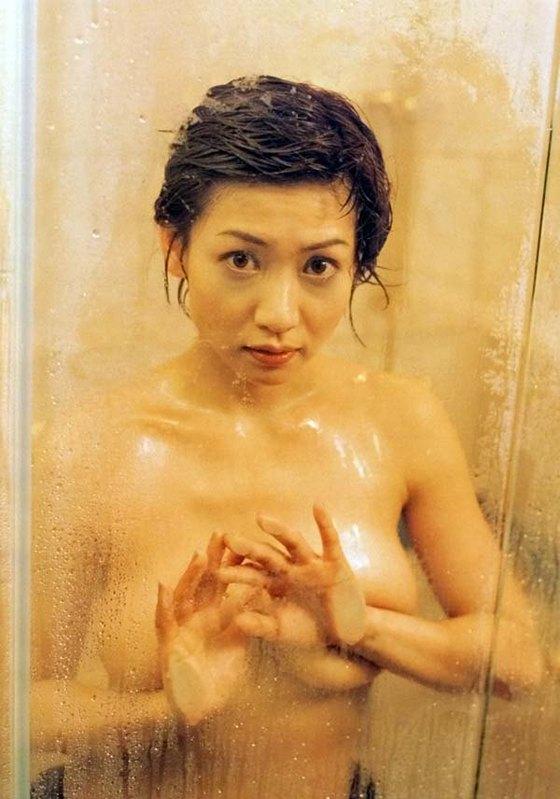 細川ふみえ フラッシュ袋とじの熟女ヌードグラビア 画像25枚 24