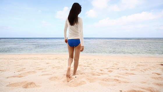 植村あかり 写真集メイキング動画の水着姿キャプ 画像30枚 2