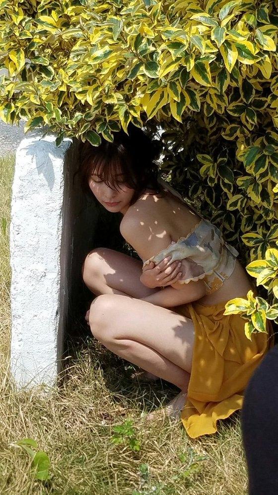 山崎真実 週プレのノーブラ乳輪透けセミヌード 画像26枚 10