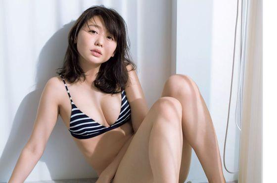 おのののか 週刊現代の最新水着Eカップ谷間グラビア 画像32枚 5