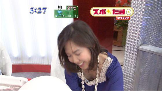 放送事故寸前な女性芸能人達の胸チラお宝キャプ 画像60枚 49