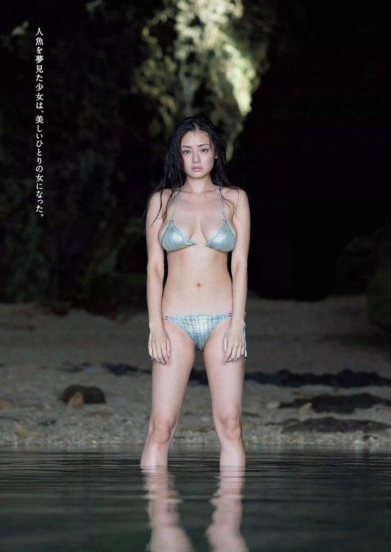 片山萌美 写真集人魚のGカップ手ブラ最新先行グラビア 画像21枚 4