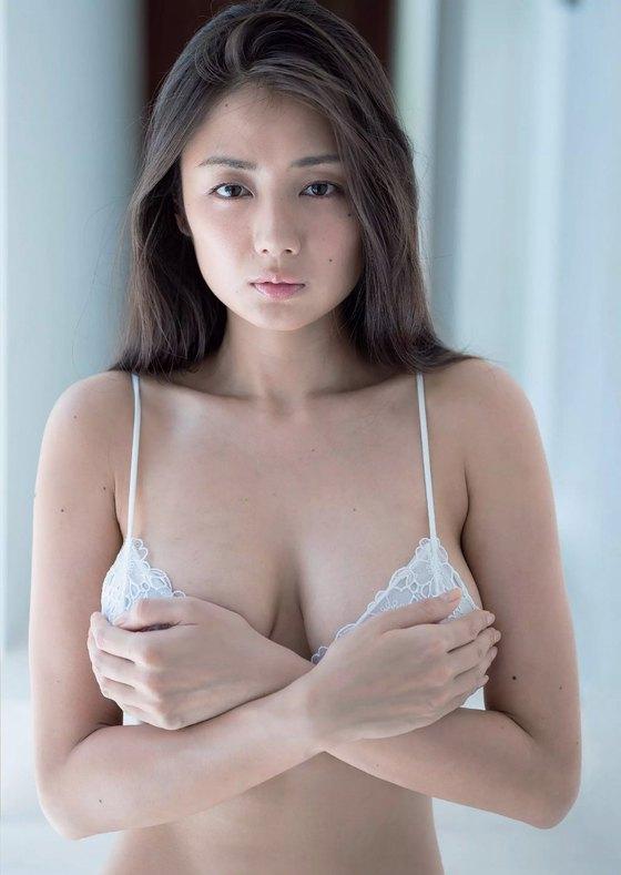 片山萌美 写真集人魚のGカップ手ブラ最新先行グラビア 画像21枚 5