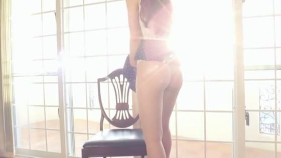 松岡里英 DVDリエゾンの巨尻&M字開脚股間食い込みキャプ 画像30枚 9