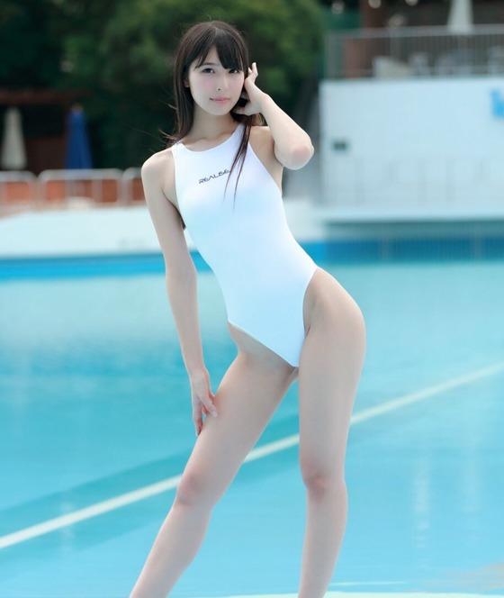 川崎あや 競泳水着姿のハイレグ食い込みグラビア 画像30枚 15