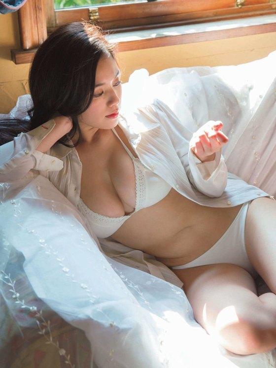 筧美和子 ヤンマガの最新Hカップ爆乳ハミ乳水着グラビア 画像26枚 12