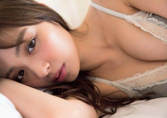 内田理央 写真集先行水着姿&セミヌードグラビア 画像27枚 12