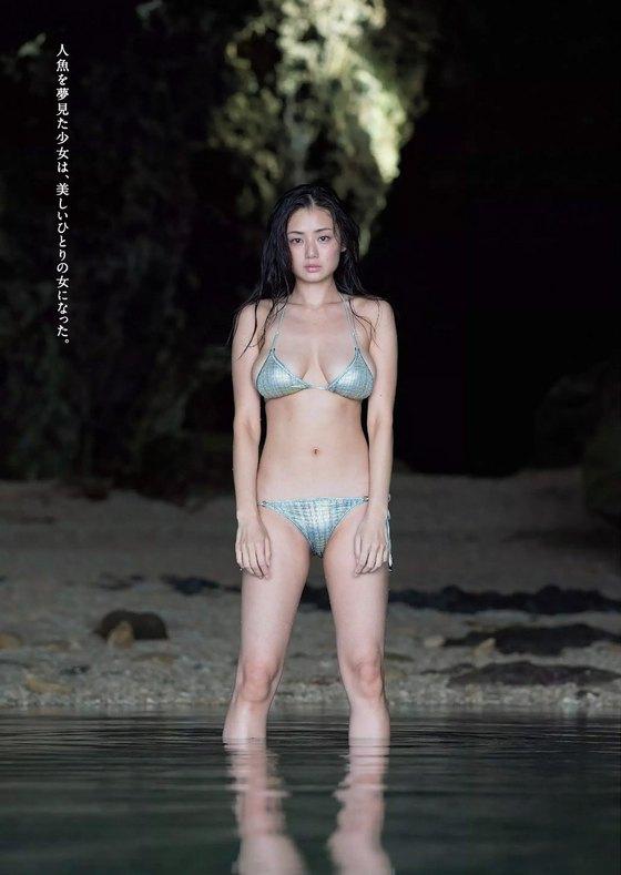 片山萌美 写真集人魚の手ブラ&ノーブラGカップ爆乳 画像21枚 7