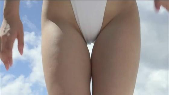 忍野さら ハイレグ水着の股間食い込み&Gカップハミ乳キャプ 画像30枚 3
