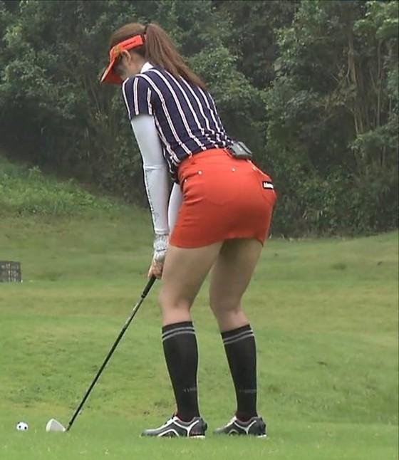 稲村亜美 ゴルフの真髄のムチムチ太もも&お尻キャプ 画像30枚 11