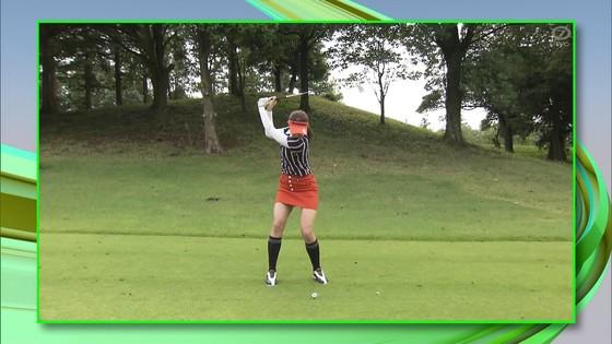 稲村亜美 ゴルフの真髄のムチムチ太もも&お尻キャプ 画像30枚 23