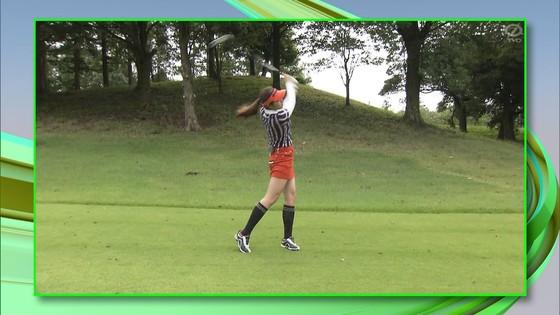 稲村亜美 ゴルフの真髄のムチムチ太もも&お尻キャプ 画像30枚 24