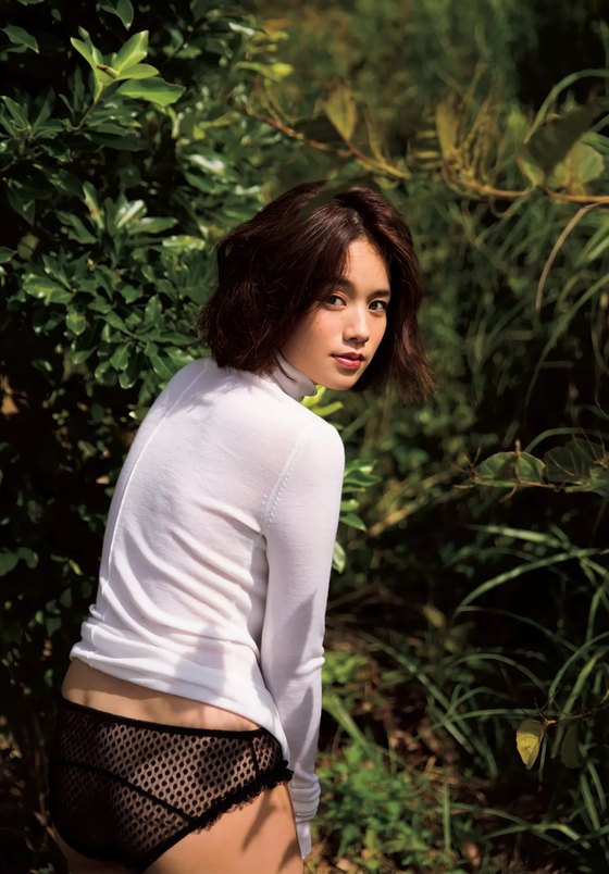 筧美和子 写真集先行Hカップ手ブラセミヌードグラビア 画像29枚 5