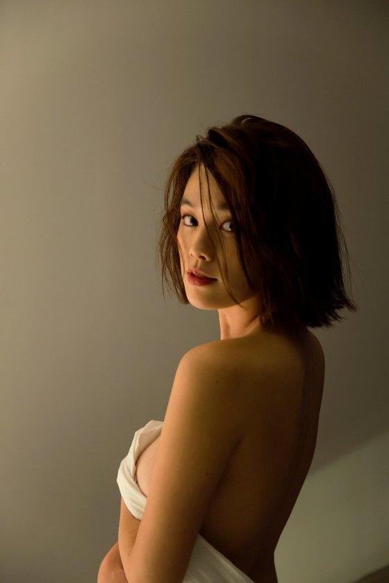 筧美和子 写真集先行Hカップ手ブラセミヌードグラビア 画像29枚 9