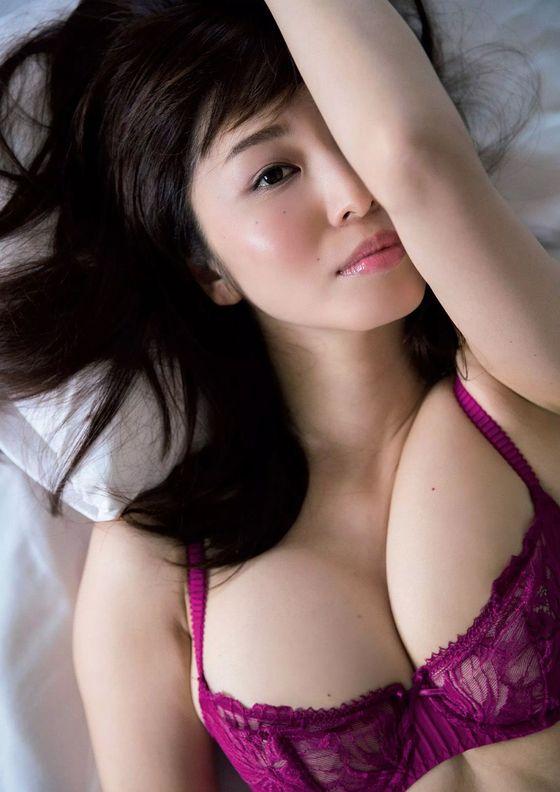 塩地美澄 妄想マンデーのボンデージコスプレGカップ谷間キャプ 画像23枚 18