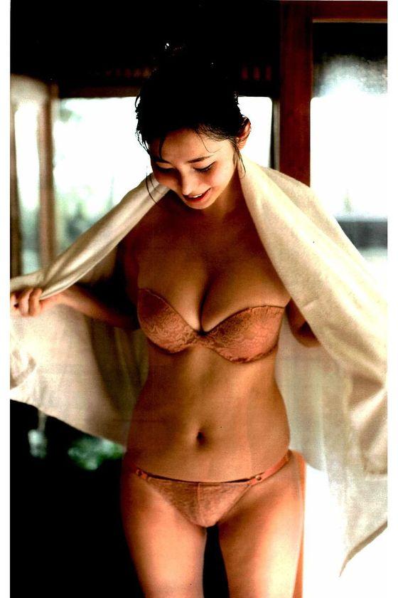 塩地美澄 妄想マンデーのボンデージコスプレGカップ谷間キャプ 画像23枚 22