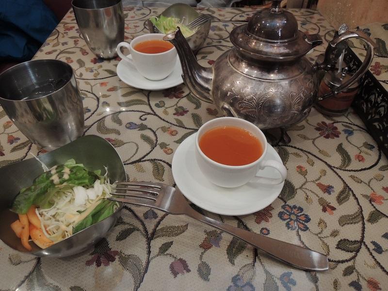 サラダと人参スープ