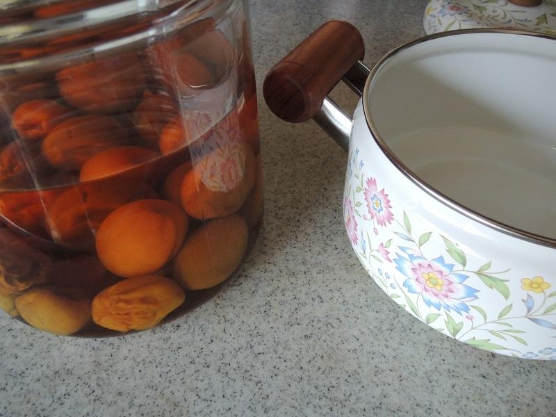 梅酒とホーロー鍋