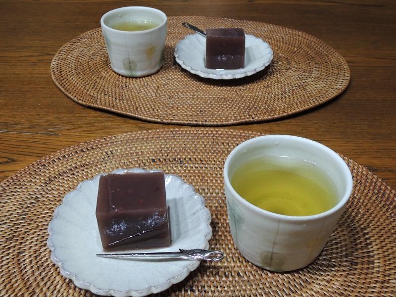 お茶と水ようかん