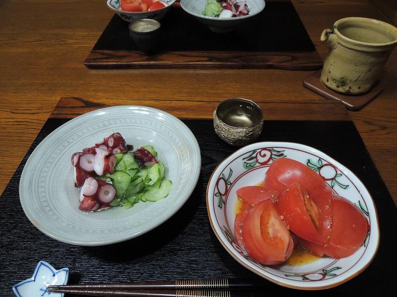 タコの酢の物と日本酒