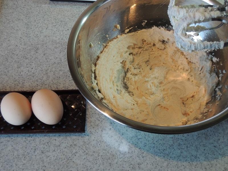 バターとお砂糖と卵