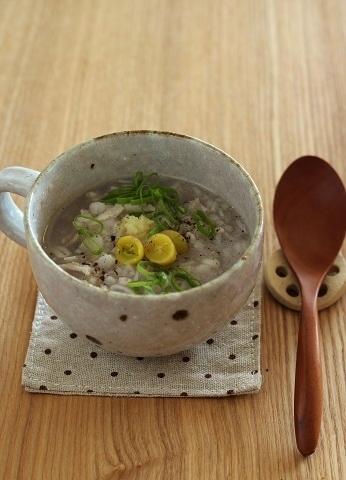 押し麦とおろし蓮根のスープ
