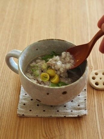 押し麦とおろし蓮根のスープ2