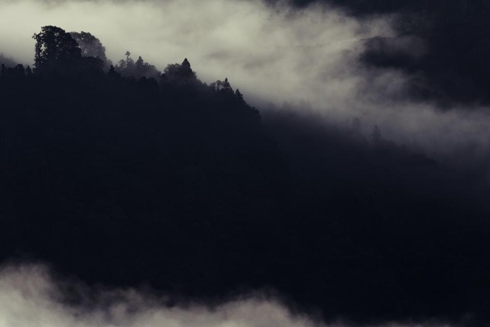 霧那流るる朝に_5