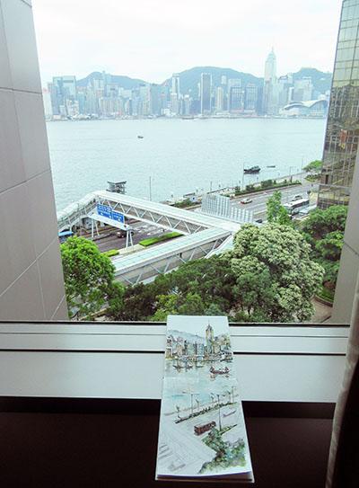 香港・ホテルの窓から