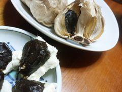 【写真】クリームチーズと黒ニンニク