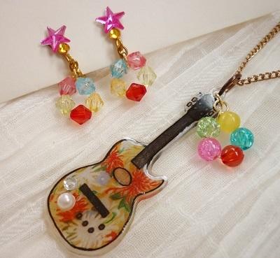 花柄ギターアクセサリー