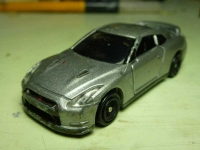 トミカ GT-R R35