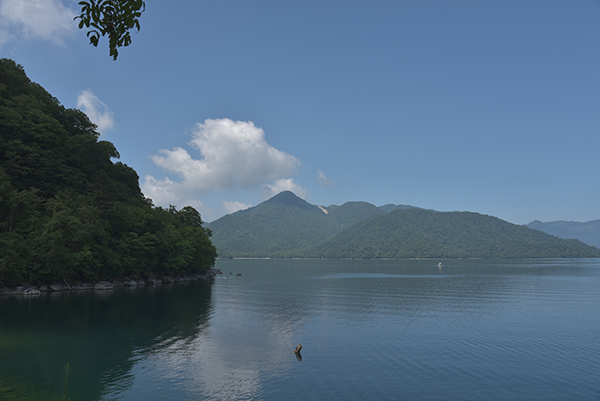 涼しい中禅寺湖