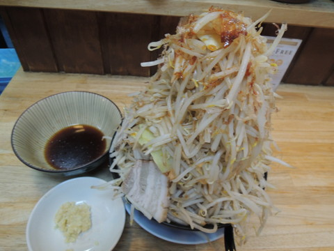 味噌ラーメン(750円)+野菜マシマシ
