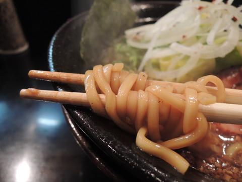 焦がし特濃らーめんの麺