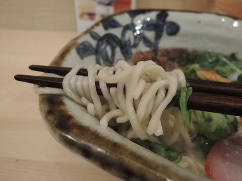「砦」の麺