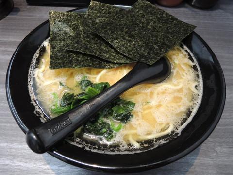 中ラーメン(780円)