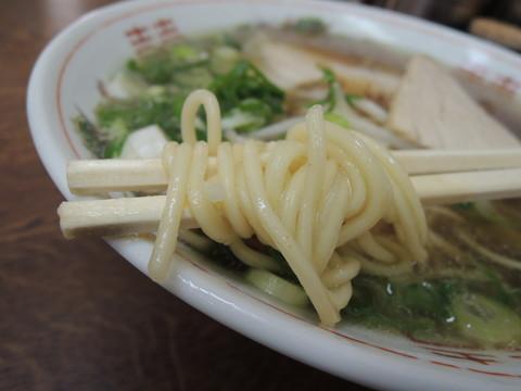 中華そば小(1玉)の麺
