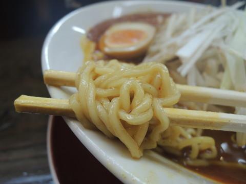 夢屋のカレーらーめんの麺