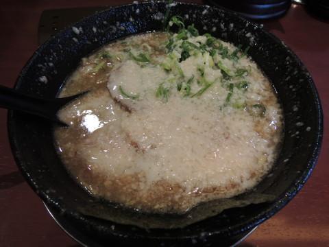 バリとんラーメン(750円)