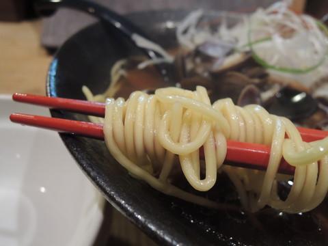 淡海(せたしじみ)らーめんの麺