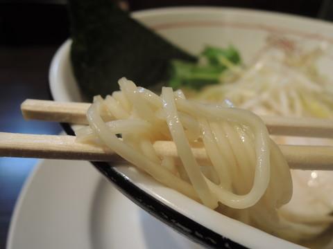 塩らぁめんの麺
