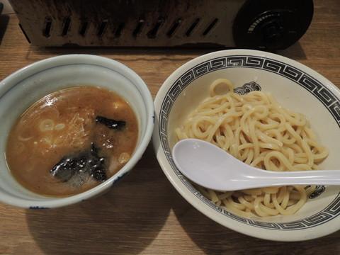 魚介豚骨つけ麺(647円)