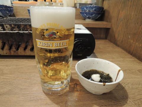 生ビールと突き出し