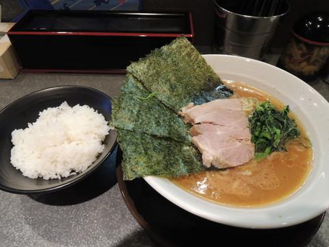 らーめん(並)(670円)