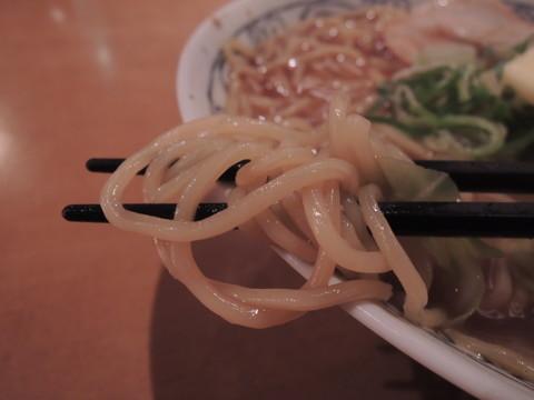 札幌!味噌バターラーメンの麺