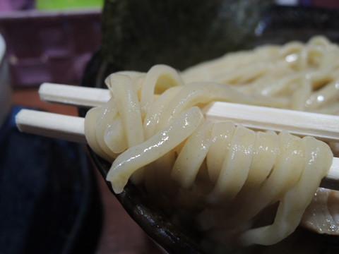 濃厚煮干しつけ麺(大盛)の麺