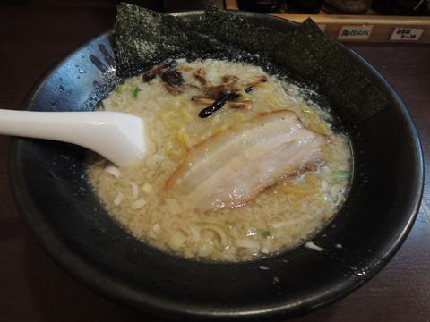 ラーメン(760円)